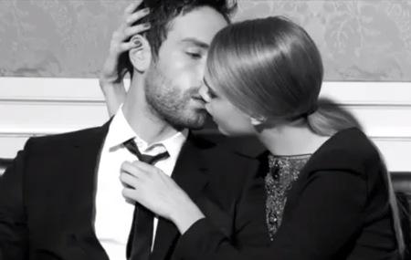 cara-delevingne kiss