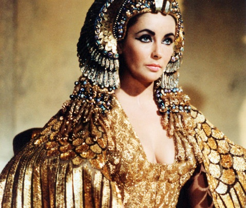 BG_Elizabeth_Taylor_cape_worn_for_iconic_scenes_in_Cleopatra