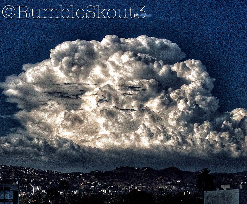 The Cherie Bomb Photo of the Day: Giant Thunderhead Cloud Over Los Angeles