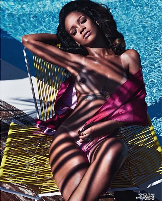 Rihanna-Lui-Magazine-Topless-2